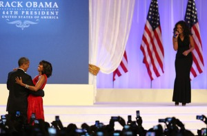 2701229-jennifer-hudson-obama-innaugural-ball-650